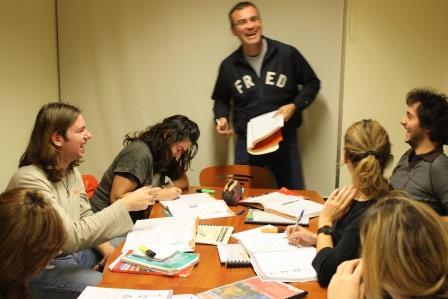 Μαθητές/τριες του Proficiency με τον Αργύρη Χατζόπουλο
